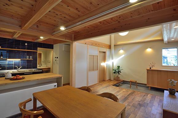 建物完成見学会 人が集う「松尾の家」_e0164563_08570275.jpg