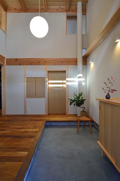建物完成見学会 人が集う「松尾の家」_e0164563_08570296.jpg
