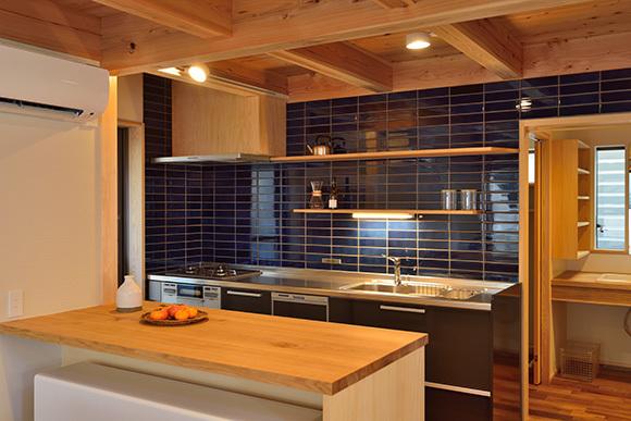 建物完成見学会 人が集う「松尾の家」_e0164563_08570331.jpg