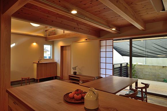 建物完成見学会 人が集う「松尾の家」_e0164563_08570337.jpg