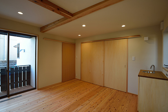 建物完成見学会 人が集う「松尾の家」_e0164563_08570430.jpg