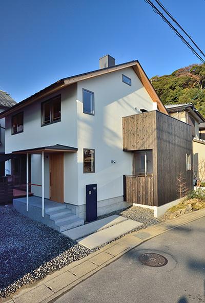 建物完成見学会 人が集う「松尾の家」_e0164563_08570432.jpg