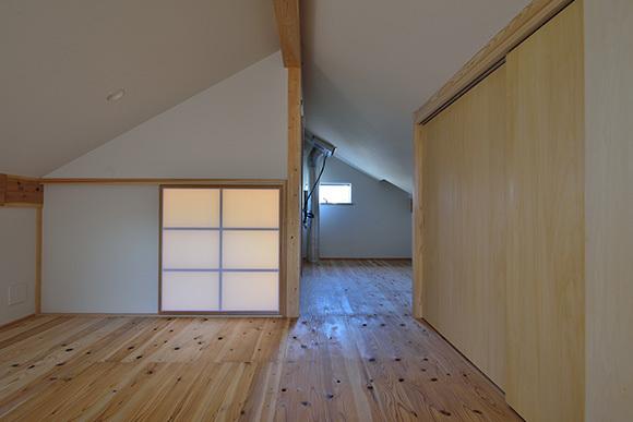 建物完成見学会 人が集う「松尾の家」_e0164563_08571491.jpg
