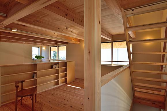 建物完成見学会 人が集う「松尾の家」_e0164563_08571630.jpg
