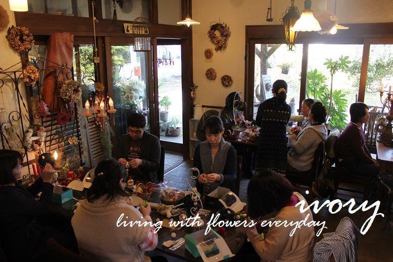 『〜週末の花教室から〜♬』_b0094378_22244590.jpg