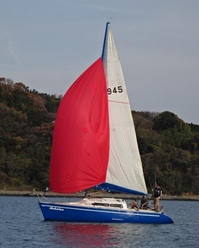 小さいヨットも。_f0166694_21163868.jpg
