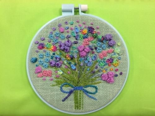 立体的なお花の刺繍_b0198404_13301778.jpg