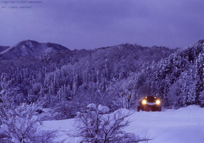 白い雪の峠へと_d0309612_00181902.jpg