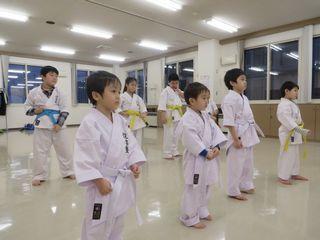 木曜空手 前田教室・手稲教室 稽古納め!_c0118332_22104124.jpg