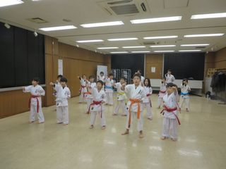木曜空手 前田教室・手稲教室 稽古納め!_c0118332_22105418.jpg