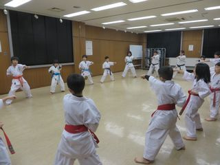 木曜空手 前田教室・手稲教室 稽古納め!_c0118332_22105990.jpg