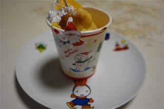 Weihnachtsparty beim Kindergarten (クリスマスを前に)_f0224632_20405946.jpg