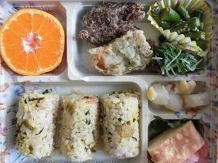 毎月お楽しみ昼食 駅弁の日_e0163042_12154517.jpg