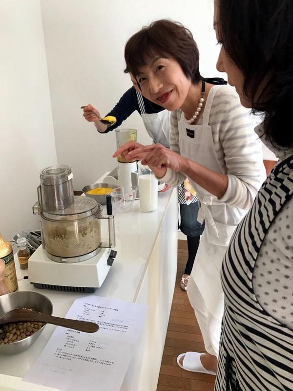 李映林先生&コウ静子先生のお料理教室へ_d0210450_9411431.jpg