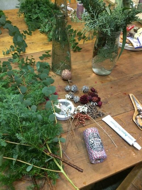 お花の教室(クリスマスツリー*ユーカリ*糸)_f0324766_19420791.jpg