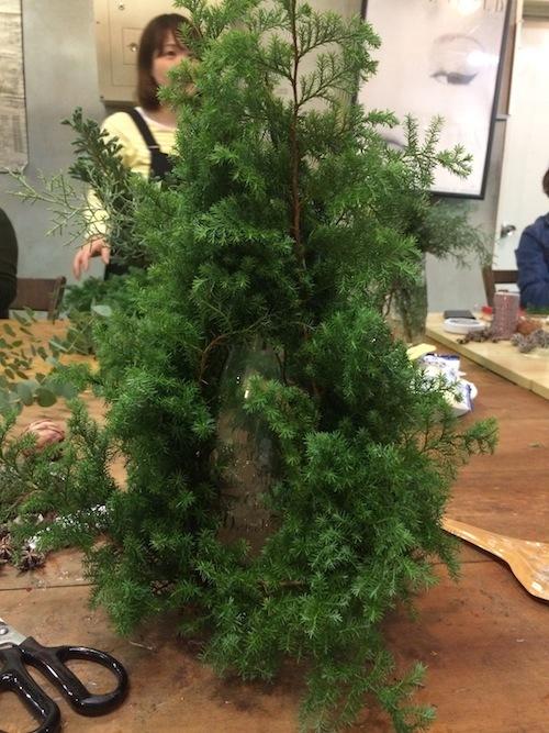 お花の教室(クリスマスツリー*ユーカリ*糸)_f0324766_19424190.jpg