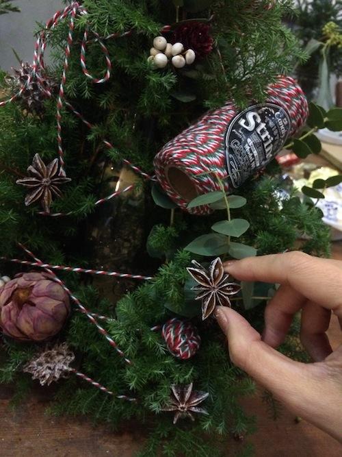 お花の教室(クリスマスツリー*ユーカリ*糸)_f0324766_19430313.jpg