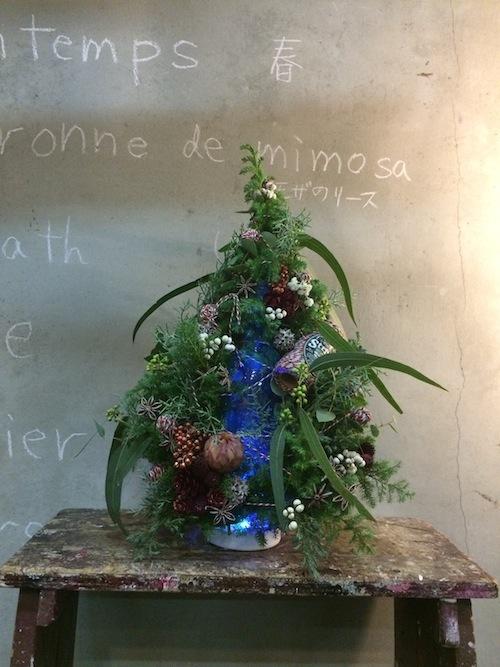 お花の教室(クリスマスツリー*ユーカリ*糸)_f0324766_19435862.jpg
