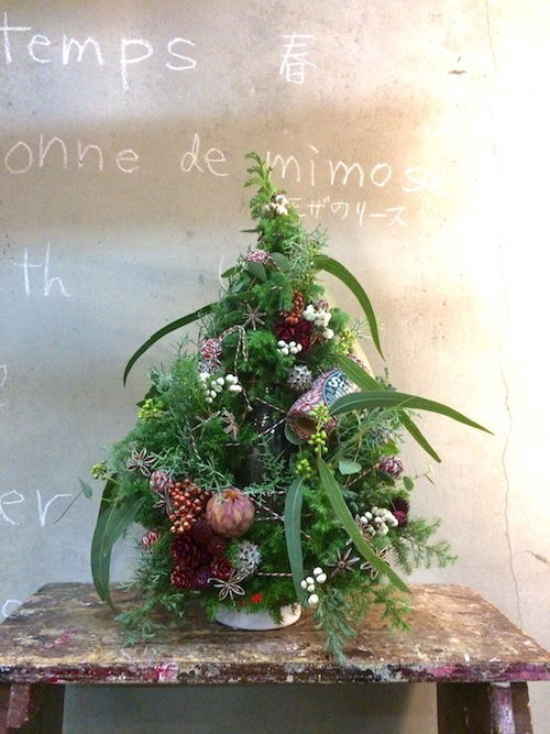 お花の教室(クリスマスツリー*ユーカリ*糸)_f0324766_19454452.jpg