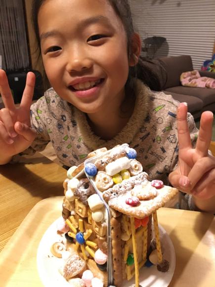 お菓子の家_e0061304_10435832.jpg