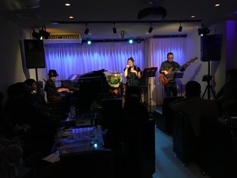 Jazzlive comin 広島  本日23日のライブ_b0115606_11264605.jpg