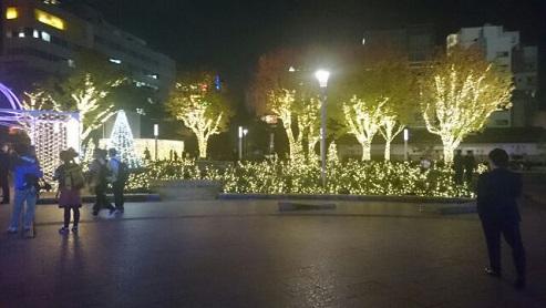 クリスマスイルミネーションin警固公園_e0149436_015467.jpg