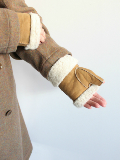 Glencroft Fingerless Lambskin Mittens (LADIES ONLY)_b0139281_1310074.jpg