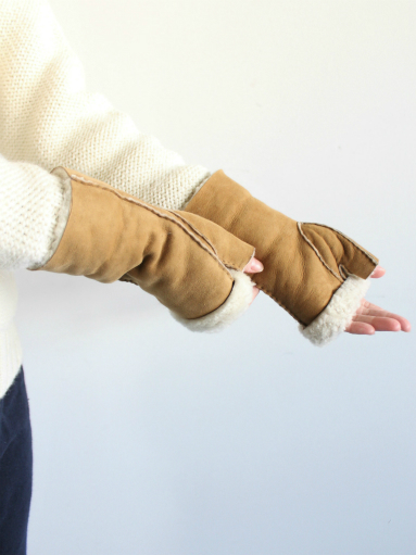Glencroft Fingerless Lambskin Mittens (LADIES ONLY)_b0139281_1394178.jpg