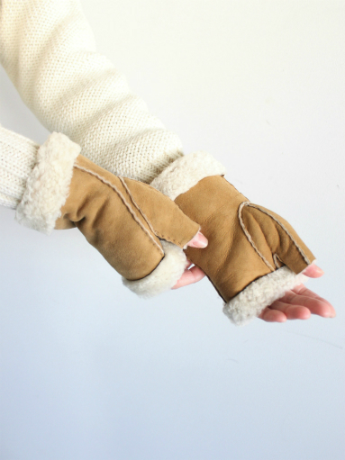 Glencroft Fingerless Lambskin Mittens (LADIES ONLY)_b0139281_1394565.jpg