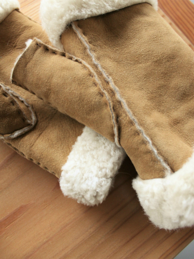 Glencroft Fingerless Lambskin Mittens (LADIES ONLY)_b0139281_1395069.jpg