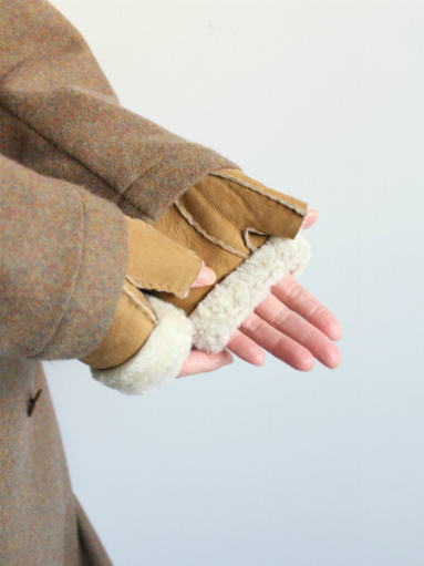 Glencroft Fingerless Lambskin Mittens (LADIES ONLY)_b0139281_1395595.jpg