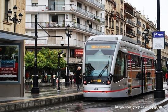 スペイン旅 2016   セビリア カテドラル・ヒラルダの塔・サンタクルス街_d0353281_00124191.jpg