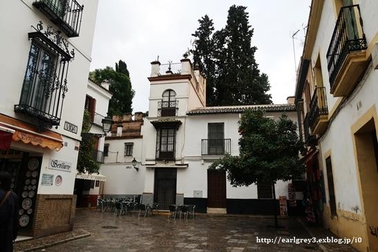 スペイン旅 2016   セビリア カテドラル・ヒラルダの塔・サンタクルス街_d0353281_00191479.jpg