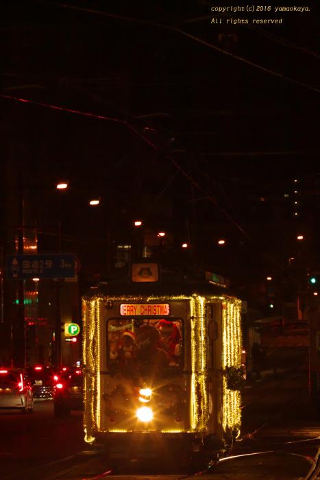 イヴの夜のクリスマス電車_d0309612_22472783.jpg