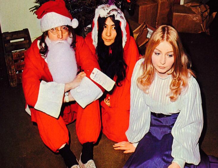「 メリークリスマス & 年末年始の営業予定 」_c0078333_23425935.jpg