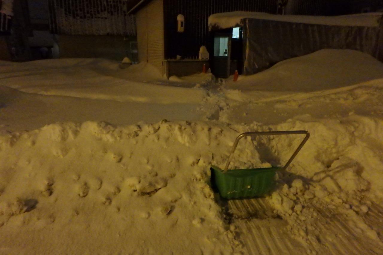 僕たちの雪かき戦争2016_e0159646_330067.jpg