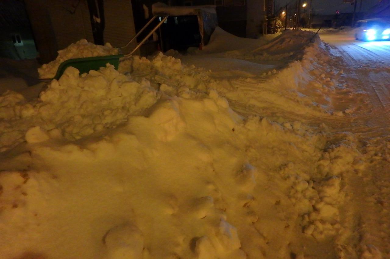 僕たちの雪かき戦争2016_e0159646_3333046.jpg