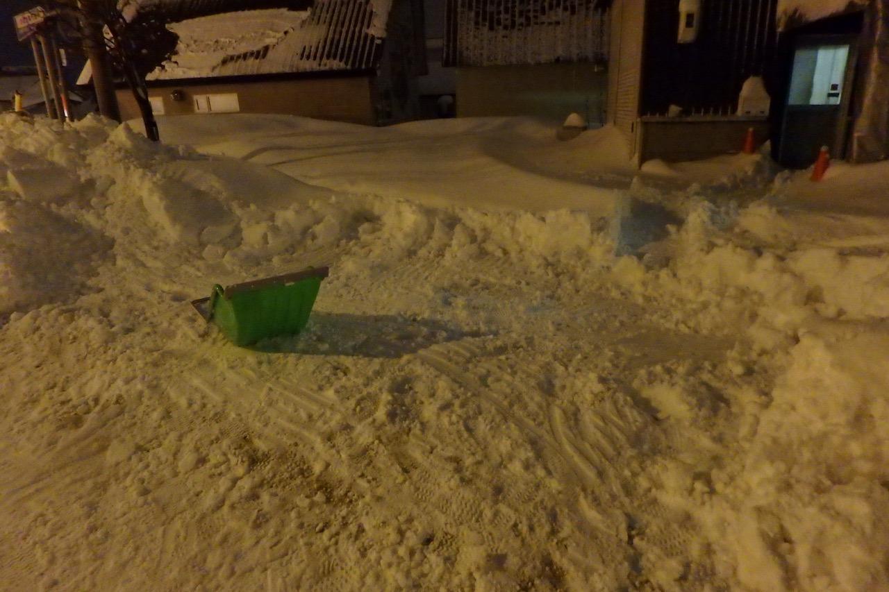 僕たちの雪かき戦争2016_e0159646_3343934.jpg