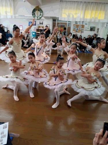 SKスタジオ 子供バレエ初めての発表会!_b0313261_15312947.jpg