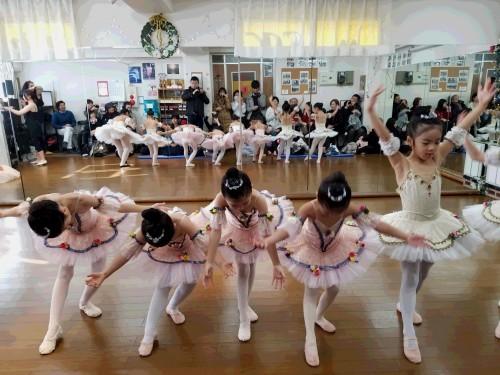 SKスタジオ 子供バレエ初めての発表会!_b0313261_15342584.jpg