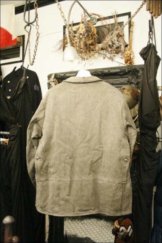 2016 OCT ヨーロッパ買い付け後記35(フランスヴィンテージ 動物ボタンハンティングジャケット、ゴマシオショップコート)_f0180307_04124722.jpg