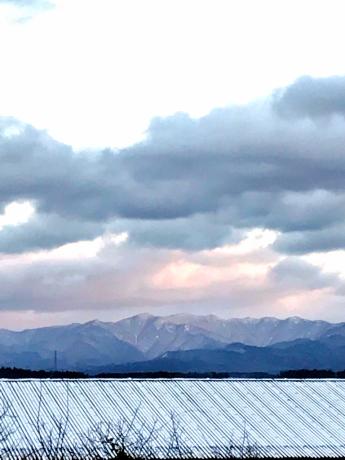 朝日を浴びる白神山地_e0148212_08162809.jpg