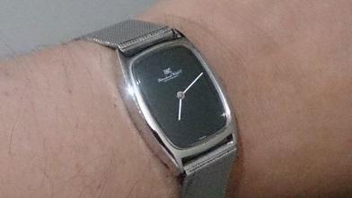 オールドインターを買いました 『IWC』トノー型腕時計_c0364960_08234655.jpg