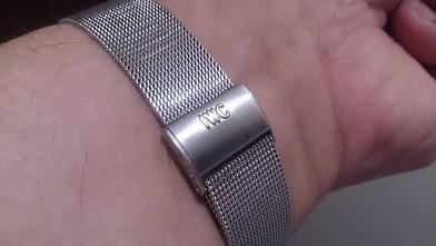 オールドインターを買いました 『IWC』トノー型腕時計_c0364960_08235675.jpg