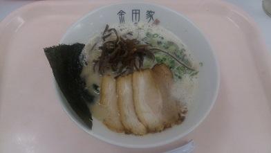 九州物産展で人気のとんこつラーメンを食す 『金田家』黒豚ラーメン_c0364960_09311716.jpg