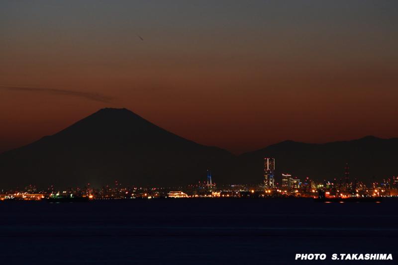 横浜に富士山_b0368378_21051148.jpg
