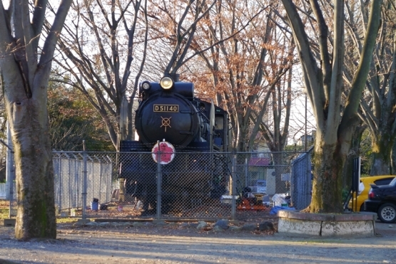 D51140号蒸気機関車、お色直し中。(ご近所巡礼2番・補遺)_b0018682_17090647.jpg