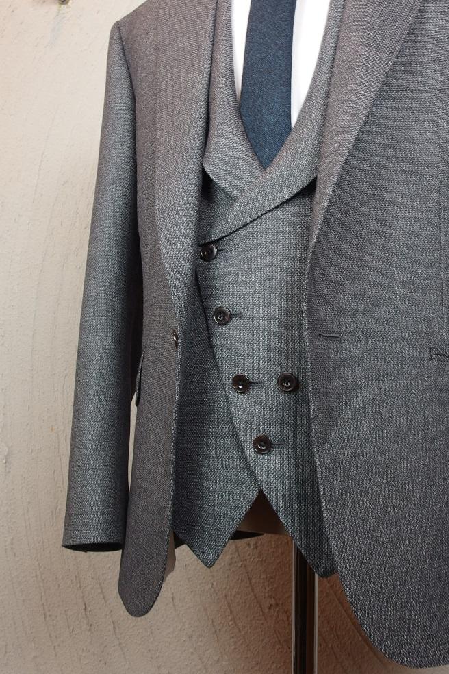 フルオーダースーツを2着ご紹介。_d0165136_16311715.jpg