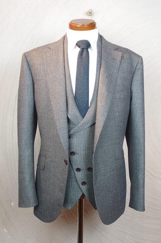 フルオーダースーツを2着ご紹介。_d0165136_16311777.jpg