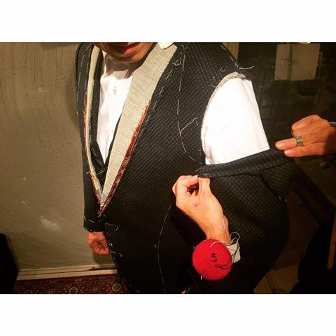 フルオーダースーツを2着ご紹介。_d0165136_16514552.jpg